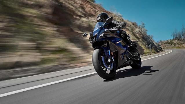 Yamaha YZF-R7 2022