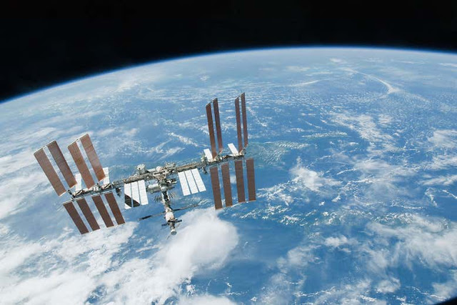 How SmartPhone Trace the ISS (International Space Station) without a Telescope
