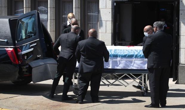 Covid-19: muertes en Nueva York bajan a menos de 100 en último día