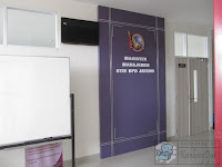 Meja Resepsionis dan Backdrop Panel furniture semarang