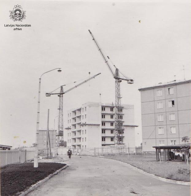18 августа 1964 года. Рига. Югла. Строительство 9-ти этажного дома (автор фото: Vladimirs Nikolajevs