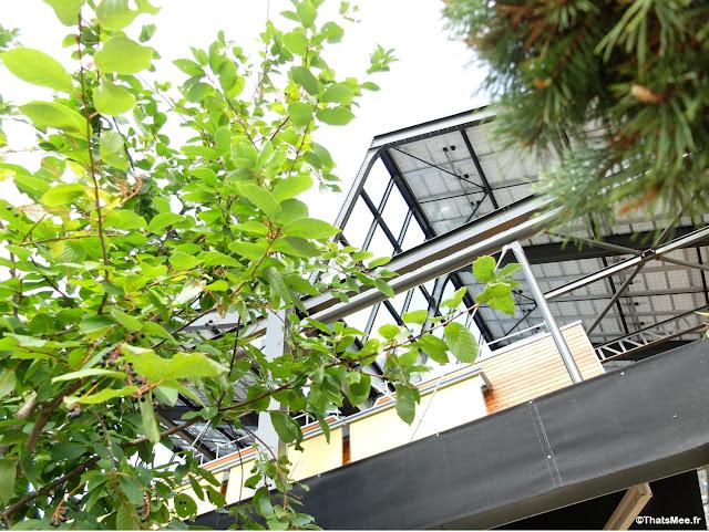 restaurant industriel toit Brunch en Terrasse à Paris Les Petites Gouttes Place Nathalie Sarraute Paris 18eme