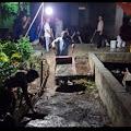 Tak Kenal Lelah Hingga Larut Malam, Hasbullah Jali Laksanakan Semenisasi Jalan Kampungnya