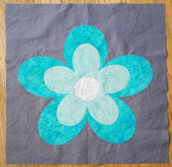 Double flower quilt block | DevotedQuilter.com