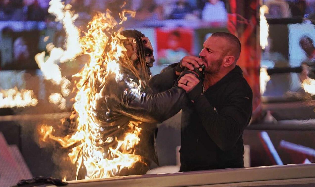 Randy Orton se sobressai e volta a colocar fogo no The Fiend no WWE TLC
