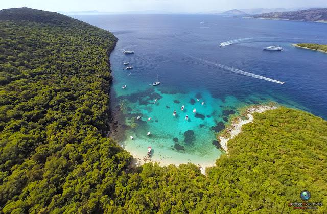 Η εντυπωσιακή παραλία Πισίνα στα Σύβοτα