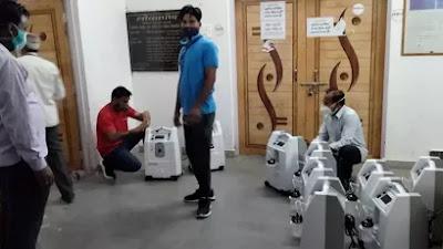 SEONI NEWS : 15 आक्सीजन कांसरटेटर मशीनें जिला चिकित्सालय पहुंची