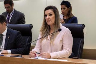 ALPB aprova projeto de Camila que cria medalha em reconhecimento a atos solidários durante pandemia