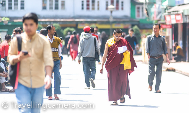 Men, in general, appeared less enthusiastic about traditional costume. We hardly saw anyone in a traditional Shambo cap, despite the fact that Lepchas and Bhutias form a sizeable population. We did, however, see several Buddhist monks who looked as sunny and bright as ever dressed in their bright robes.