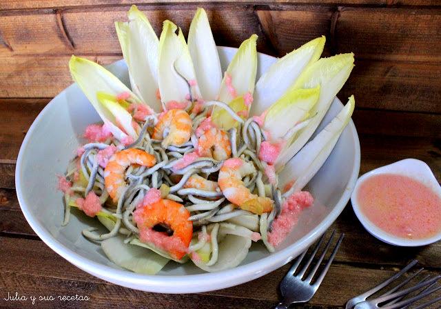 Ensalada templada de endivias , gulas y langostinos. Julia y sus recetas