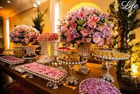 casamento com cerimonia realizada na igreja do santissimo sacramento e santa teresinha e recepção no salão nobre da sociedade italiana de porto alegre com decoração delicada simples e elegante