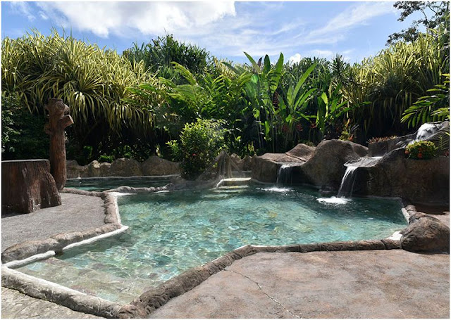 Which hot springs resort to choose in La Fortuna, Costa Rica