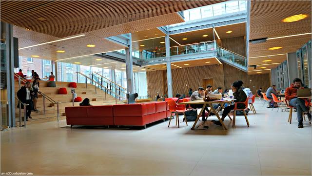 Universidad de Harvard después del Anuncio de la Suspensión de Clases (11-03-20)