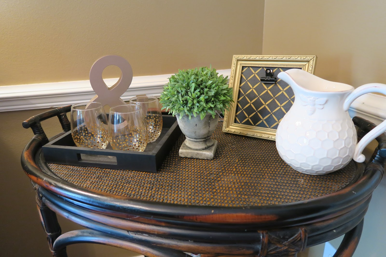 my mothers dining room essay Here are five easy fall decorating ideas for the dining room your dining room is absolutely gorgeous my mom turned me on to kirklands some years ago.