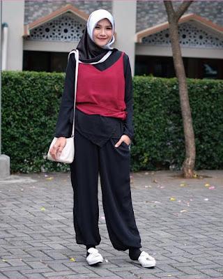 Artis hijab manis cantik seksi pakai tanktop Zaskia Adya Mecca