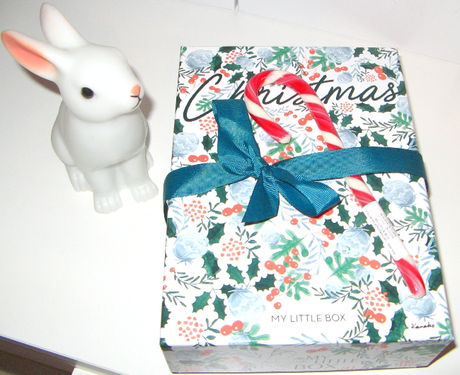 http://jarrete-demain.blogspot.com/2016/12/my-little-christmas-box-concours.html