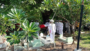 Pemakaman Jenazah Laksdya TNI (Purn) Bambang Surjanto di Gresik