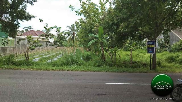 Tanah Tepi jalan Palagan Km 13