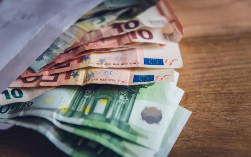 Έρχεται έκτακτο επίδομα 400 ευρώ: Ποιοι είναι οι δικαιούχοι