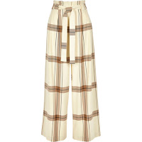 https://eu.riverisland.com/p/cream-check-paperbag-waist-wide-leg-trousers-726046?u1=281021000