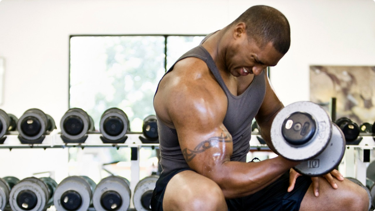 7 Reasons Every Man Should Lift Weights