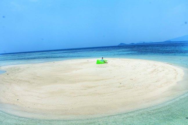 Pasir Timbul Pantai Sari Ringgung dilihat dari Drone