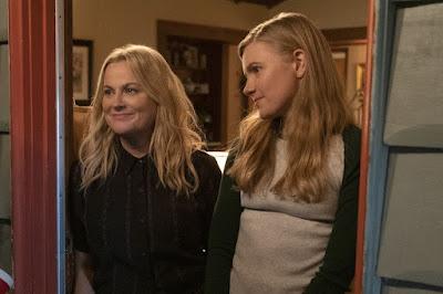 Amy Poehlery (Lisa) y Hudley Robinson (Vivian)