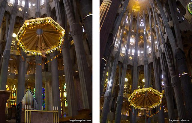 Baldaquino e Crucifixo da Basílica da Sagrada Família