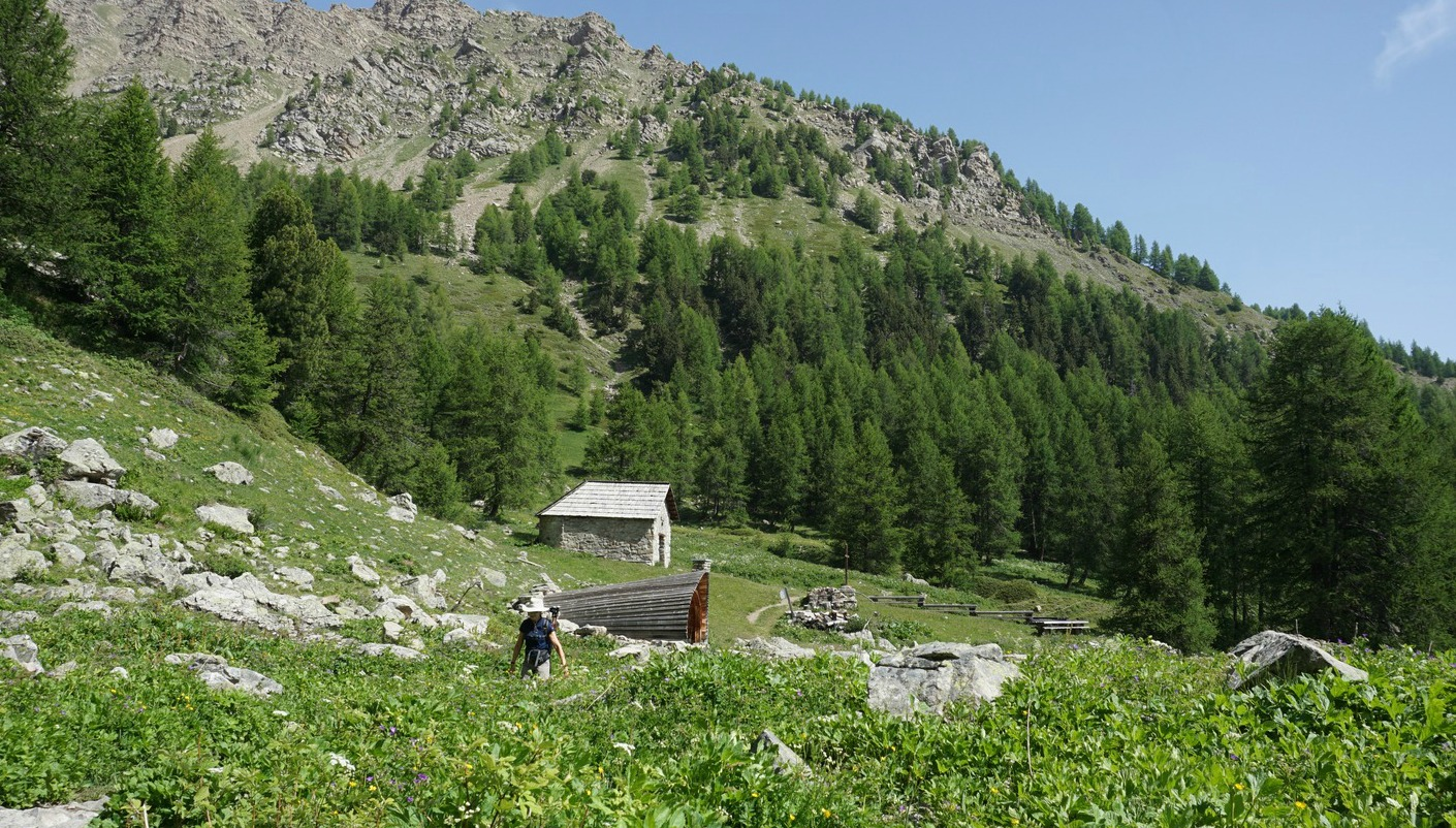 Widman path at Séyères Chapel 2056 m