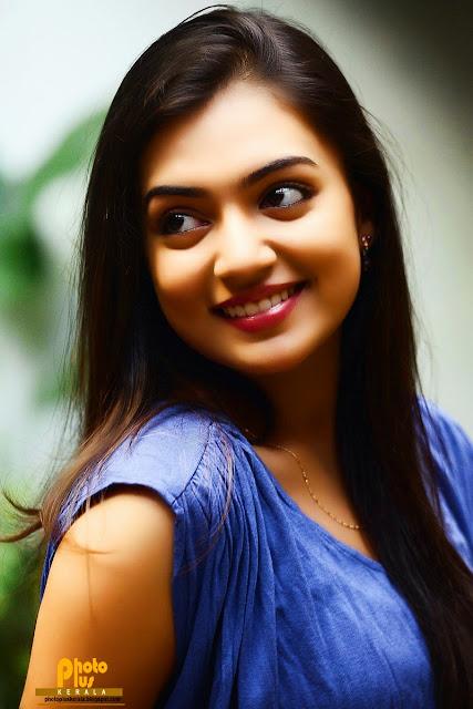 Kavya Madhavan Cute Wallpaper Photoplus Kerala Malayalam Actor And Actress High
