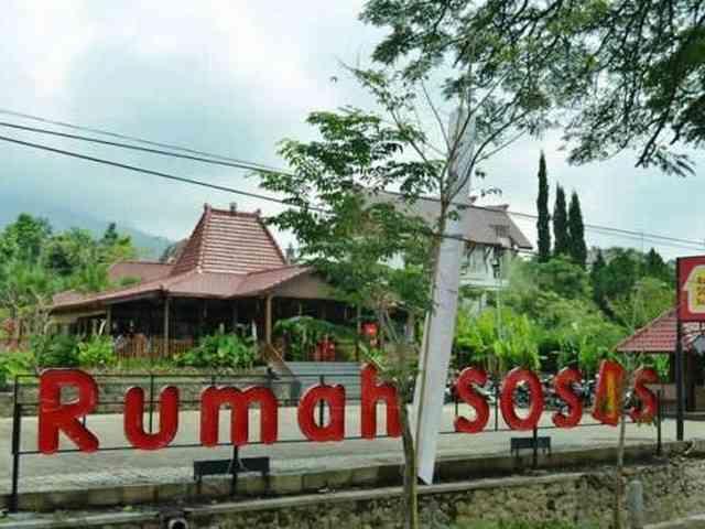 Rumah Sosis di Lembang