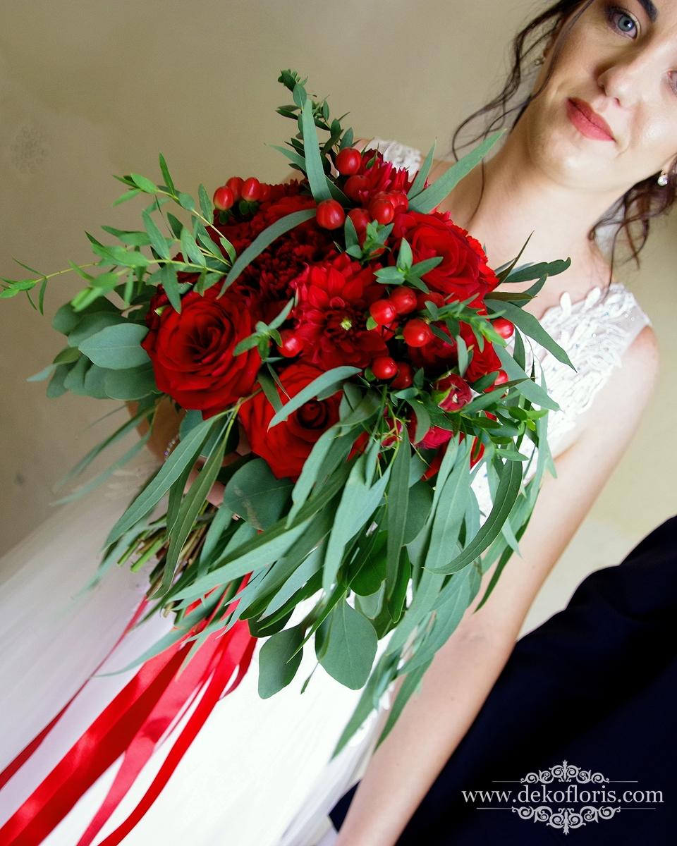 Czerwone kwiaty bukiet ślubny opolskie