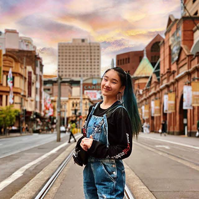 Xin Yi 25