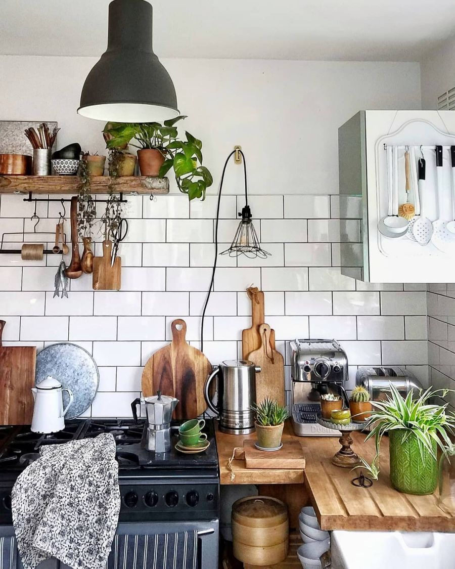 Nieszablonowe mieszkanie z naturą w tle, wystrój wnętrz, wnętrza, urządzanie domu, dekoracje wnętrz, aranżacja wnętrz, inspiracje wnętrz,interior design , dom i wnętrze, aranżacja mieszkania, modne wnętrza, home decor, rustic style, Scandinavian style, industrial style, classic style, styl rustykalny, styl skandynawski, vintage, boho, styl industrialny, styl eco, natura, natural, stonowane kolory, urban jungle, kuchnia, kitchen, meble kuchenne, drewniane blaty