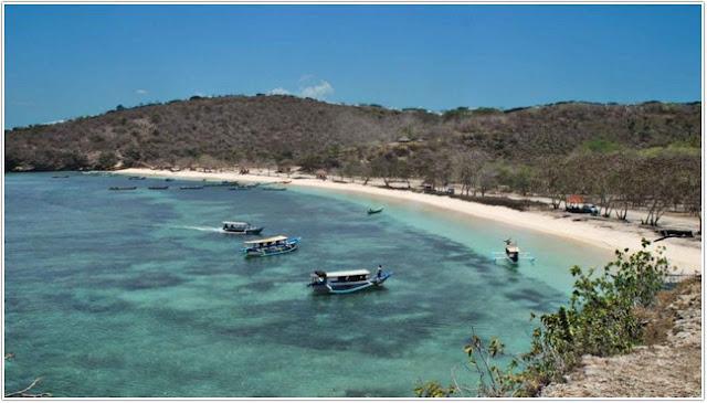 Pantai Tangsi;10 Top Destinasi Wisata Situbondo;