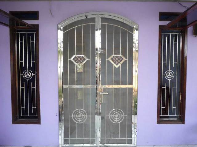 pintu besi minimalis