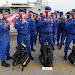 Personel Ditpolairud Polda Banten Kibarkan Bendera di Dalam Laut Dalam rangka HUT RI Ke 75