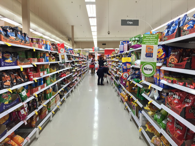 Melbourne - Grocery Shopping in Woolsworth
