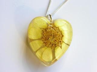 Resin heart pendant for real flowers