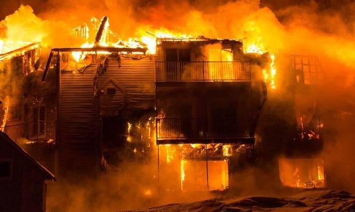 مختل عقليا يضرم النار بمنزل عائلته بمراكش
