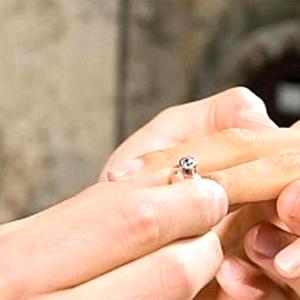 Mempersiapkan Acara Lamaran Pernikahan