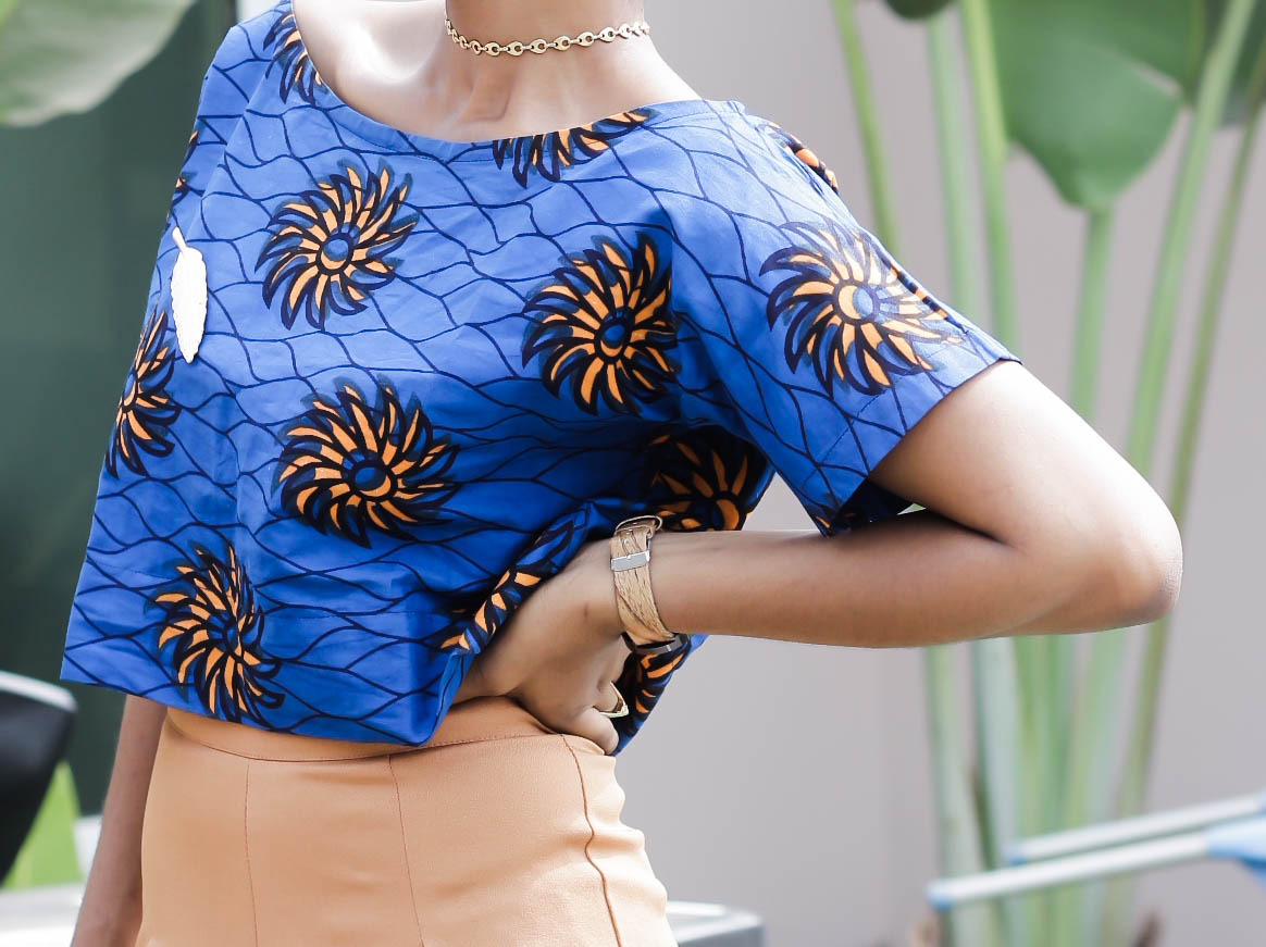 Brown/tan wide leg pant, ankara blouse, gold choker, Cedar Adinfono, oncedarplanet