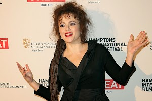 First lay out Helena Bonham Carter after reports of treason by Tim Burton