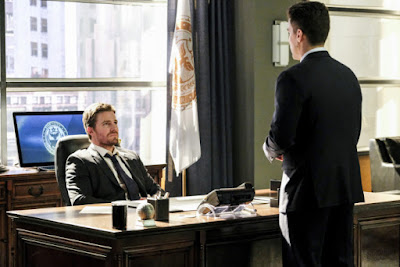 Arrow 5x18 Disbanded Oliver Queen Adrian Chase promo pic