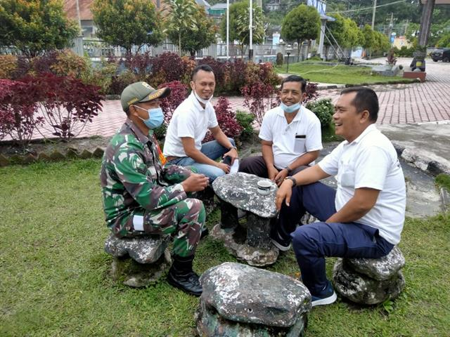 Melalui Personel Koramil 11/Parapat Jajaran Kodim 0207/Simalungun Jalin Silaturahmi Dengan Warga Binaan
