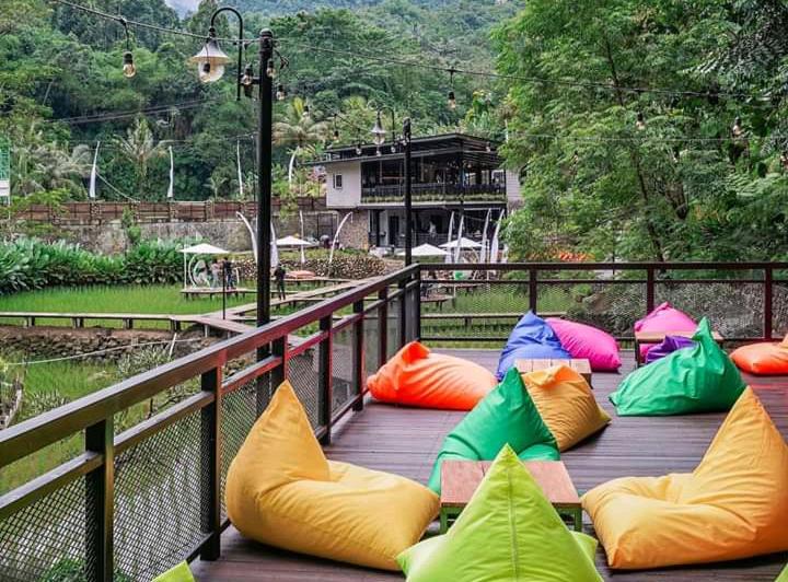 Wisata Cikuluwung River Tubing Bogor