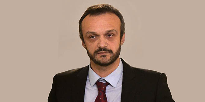 Д. Мировић: Срби не могу на КиМ са својим таблицама а Вучић гради ауто-пут од Ниш до Албаније (ВИДЕО)