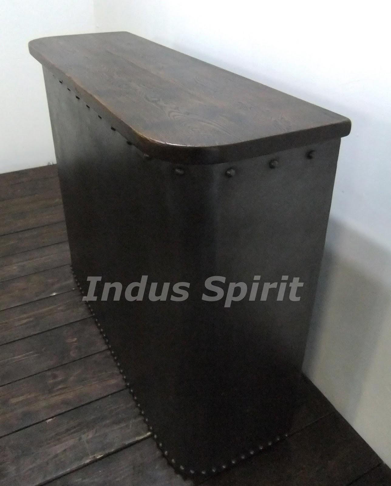 bar style industriel. Black Bedroom Furniture Sets. Home Design Ideas