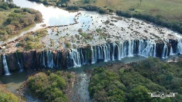 Cachoeira Salto Caveiras