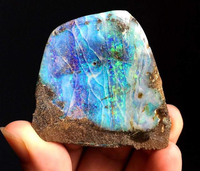 Opalescence Types of Iridescent Gemstones & Minerals